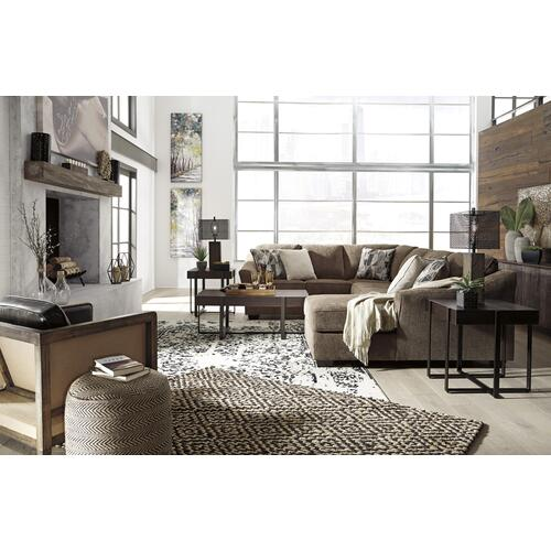 Benchcraft - 3 Piece Sectional