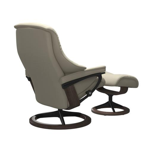 Stressless By Ekornes - Stressless® Live (L) Signature chair with footstool