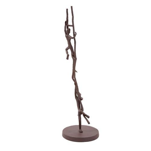 Howard Elliott - Rope Chase Figures