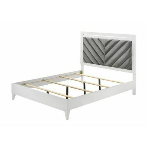 Acme Furniture Inc - Chelsie Queen Bed