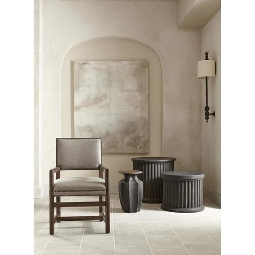 Canyon Ridge Round Side Table in Basalt (397)