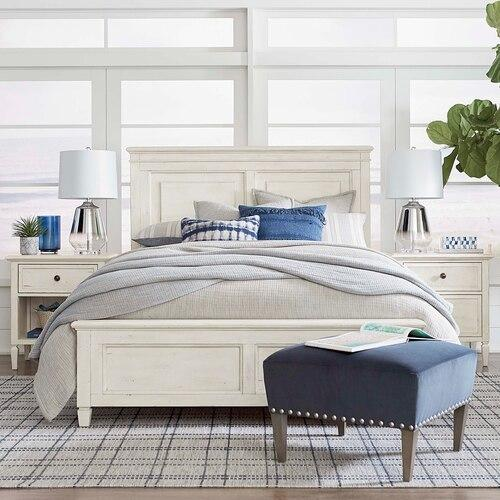 Shoreline Queen Panel Bed, Footboard Low, Storage None