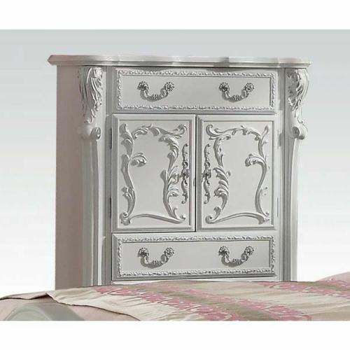 Product Image - Dresden Chest