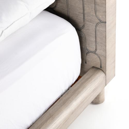 King Size Capsule Bed