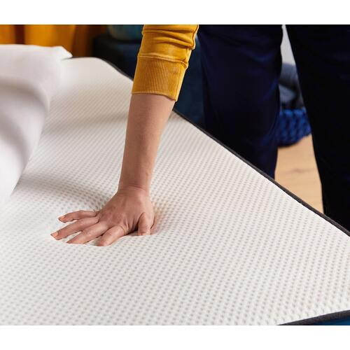 Classic Medium Firm Non-Quilted Smooth Top Twin Memory Foam Mattress