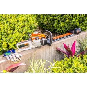 Gallery - This hedge trimmer is lightweight and easy to use, ideal for trimming around the home.