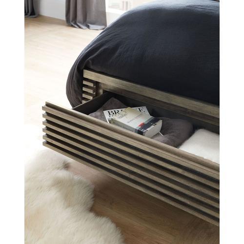 Bedroom Annex Queen Panel Bed w/ Storage Footboard