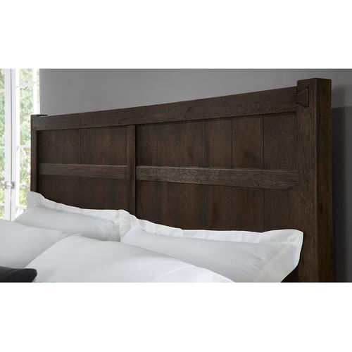 Vaughan-Bassett - Queen Board & Batten Bed