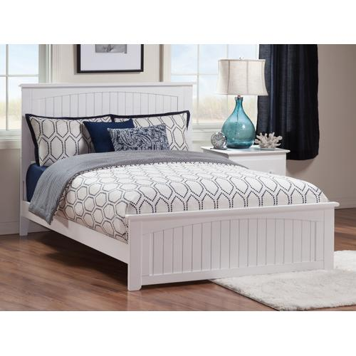 Nantucket Queen Bed with Matching Foot Board in White