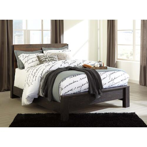 Windlore Queen Bedframe