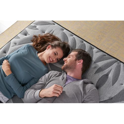 Response - Posturepedic Plus - Satisfied II - Medium - Pillow Top - King