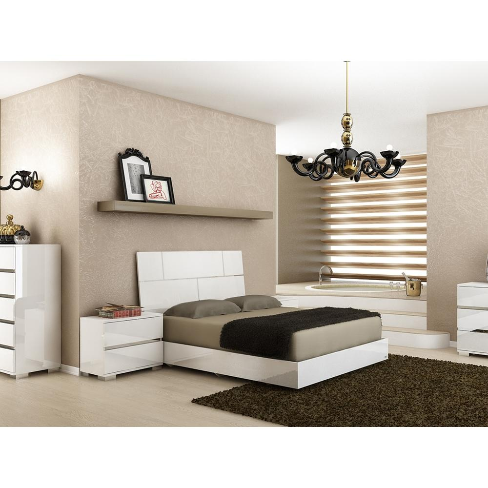The Pisa Queen High Gloss White Lacquer W Stainless Steel Beds