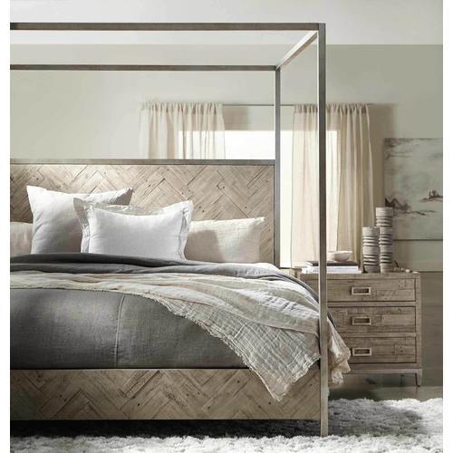 Queen Milo Canopy Bed in Morel