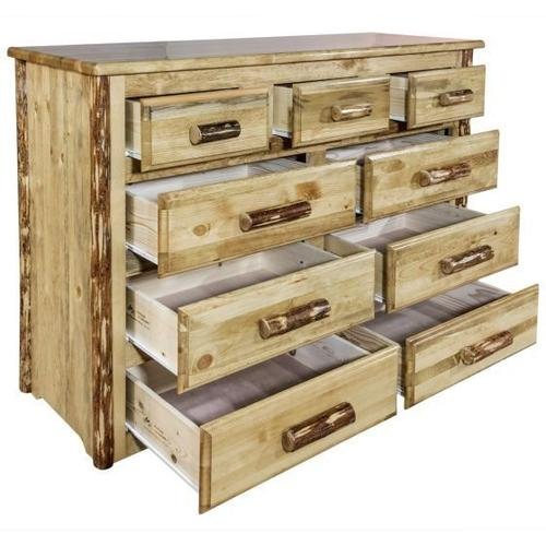 Glacier Country Collection 9 Drawer Dresser