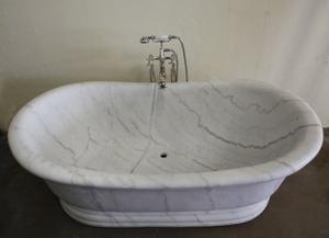 Old World Bathtub Luna Bianca Marble Product Image