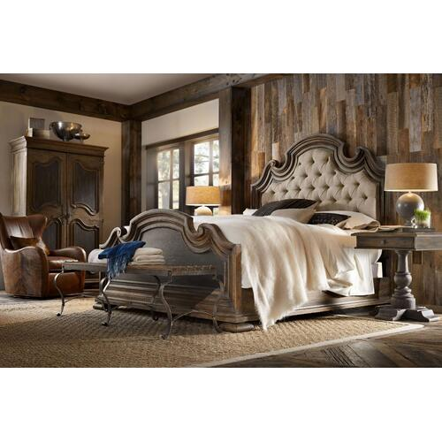 Bedroom Fair Oaks King Upholstered Bed