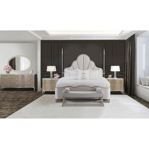 Amini - Cal King Scalloped Poster Bed (4 Pc)