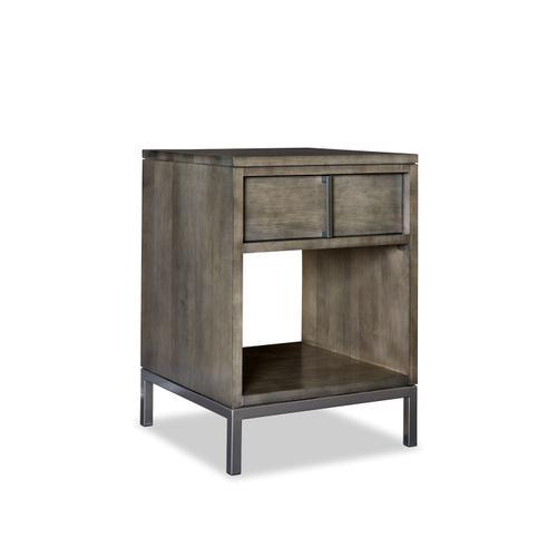"Durham Furniture - End Table 20"""