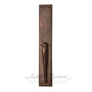 SQ.G.18 Pull Handle Shown in light bronze patina Product Image