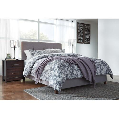 Dolante IV Queen Upholstered Bed