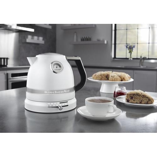 KitchenAid - 1.5 L Pro Line® Series Electric Kettle Frosted Pearl White