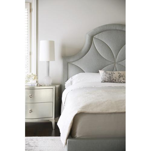 California King Calista Upholstered Bed in Silken Pearl (388)