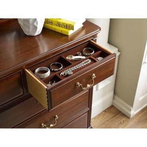 Hadleigh Drawer Dresser
