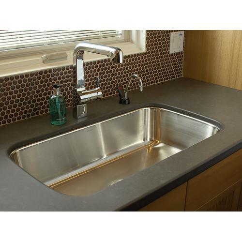 "31-1/2"" X 17-3/4"" X 8"" Undermount Single-bowl Extra-large Kitchen Sink"