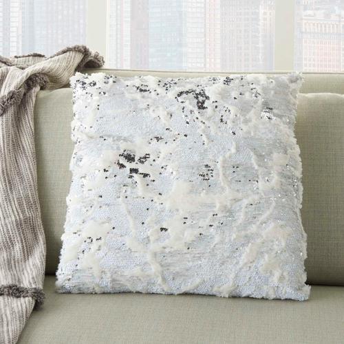 "Fur Vv201 White/silver 20"" X 20"" Throw Pillow"