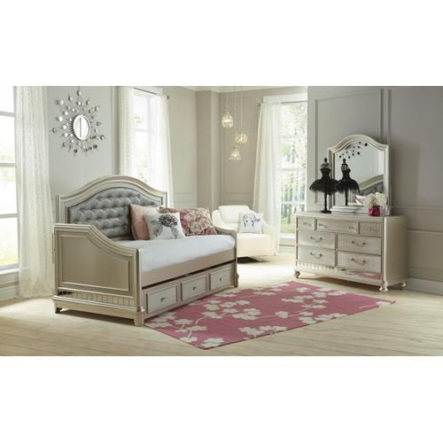 Li'l Diva Day Bed Back and Rails