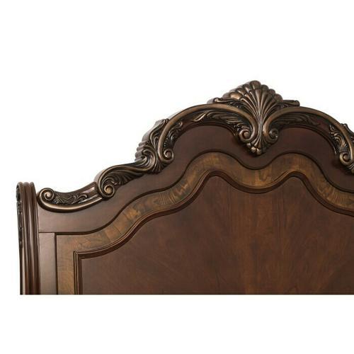 Gallery - Queen Sleigh Bed