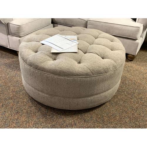 Craftmaster Furniture - Round Tufted Ottoman