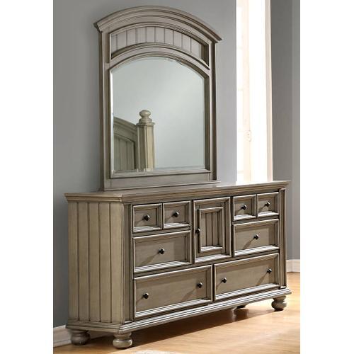 New England Style Six Drawer Dresser
