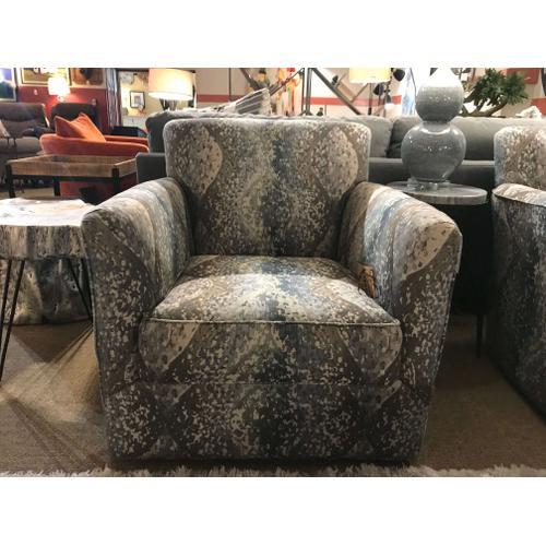 Grayson Swivel Chair