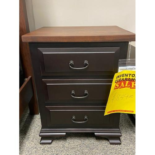 Amish Craftsman - New Old Towne Night Stand