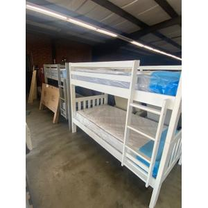 Gallery - Twin/Twin Bunkbed With Mattresses