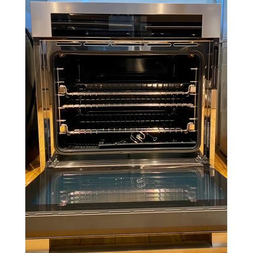 Miele H6780BP   30 Inch Convection Oven - The multi-talented Miele for the highest demands.