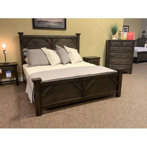 Centennial Solids - Solid Wood King Bedroom w. 1 Night Stand