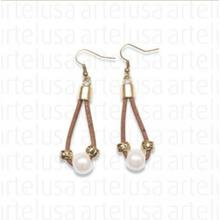 Brown cork earrings with artificial pearl