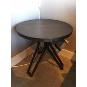 Clearance Items - Tavonni Round End Table