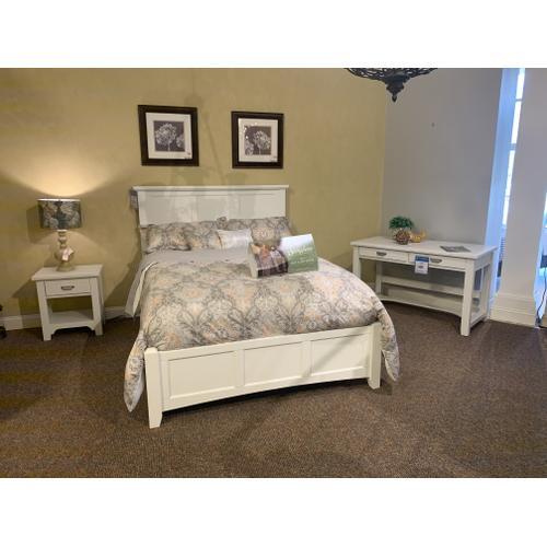 Bungalow Queen Bedroom Set