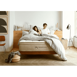 Dream Cloud's Luxury Hybrid Mattress