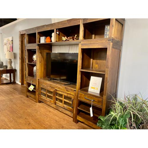 Hillsdale Furniture - CLOSEOUT Entertainment Wall Unit