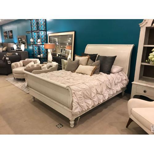 Bernhardt - Auberge Queen Sleigh Bed