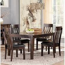 Table With 4 Chairs and Leaf