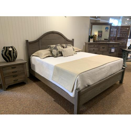 Bungalow Bedroom Set with One Night Stand