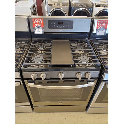 """GE® 30"""" Free-Standing Gas Convection Range\"""