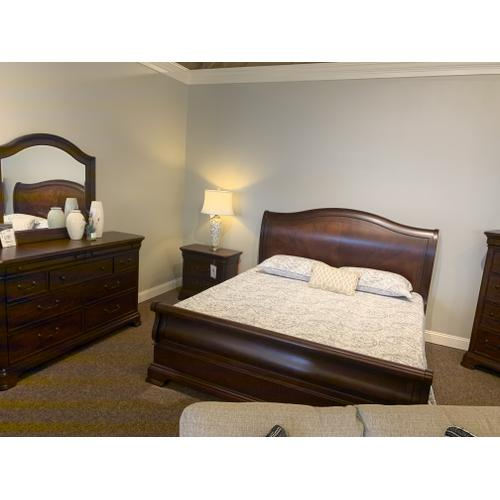 Evolution King Bedroom Set with One Nightstand