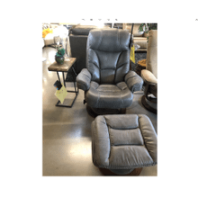 West Gray Swivel Recliner w/Ottoman 847-02