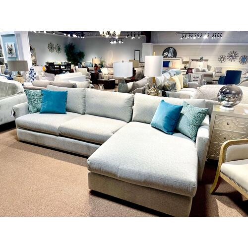 Bassett Furniture - Bassett Sectional Sofa w/ Chaise